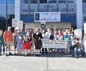Portland postal workers rally to save jobs and service