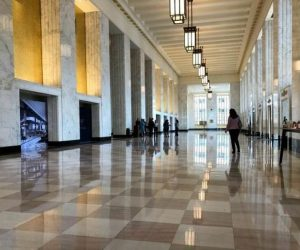 Chicago awards old Post Office preliminary landmark status, tax incentive