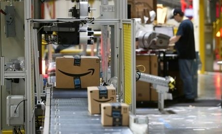 What Trump Is Getting Wrong About the Postal Service and Amazon
